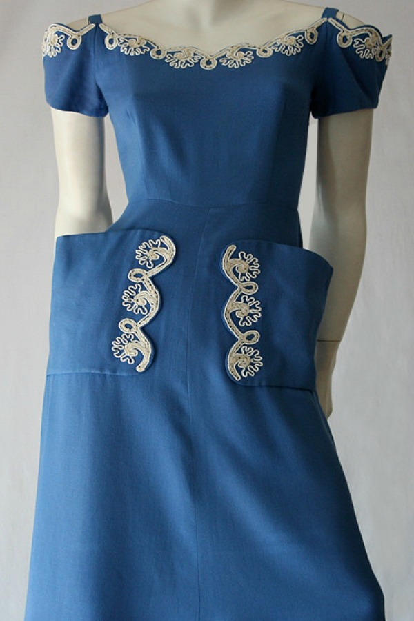 Vintage 40s to 50s linen embroidered dress