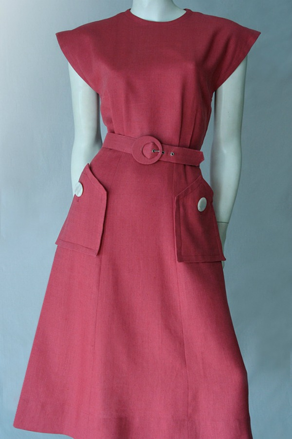 Stylish 1950s linen dress.