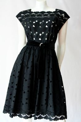Early era sleeveless cotton lace dress