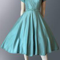 1950s dress with full skirt