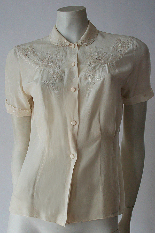 60s embroided silk blouse 600×900