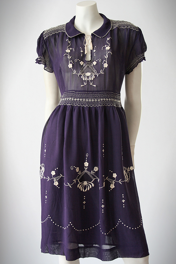 30s vintage Hungarian embroidered dress full front 600 x 900