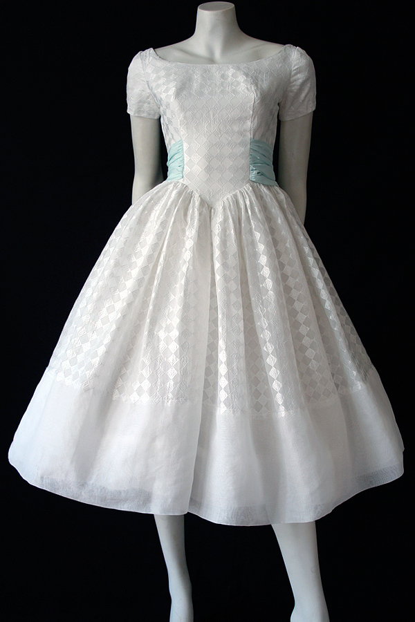 50s white and blue dress full 600 x 900